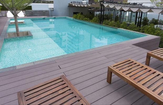 Composiet terras prijs advies en weetjes - Zwembad terras hout photo ...