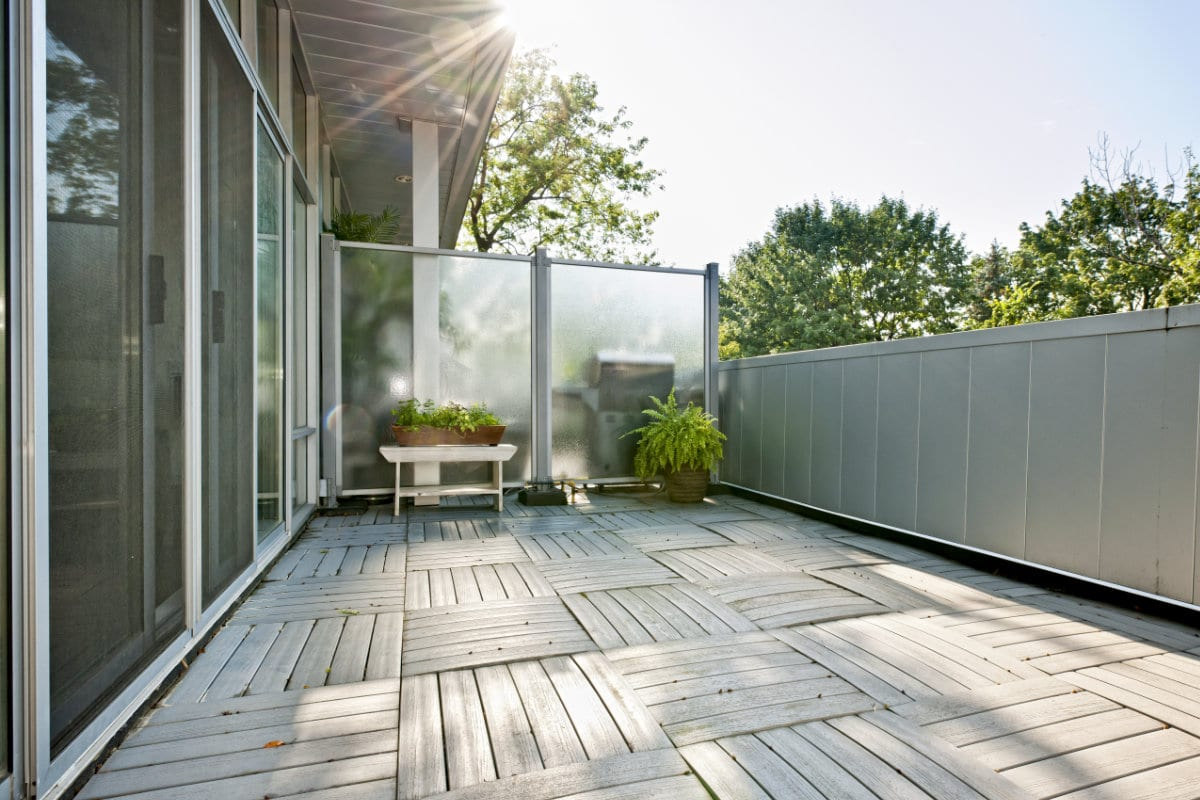 Houten terrastegels info voor en nadelen prijzen - Terras schuilplaats ...