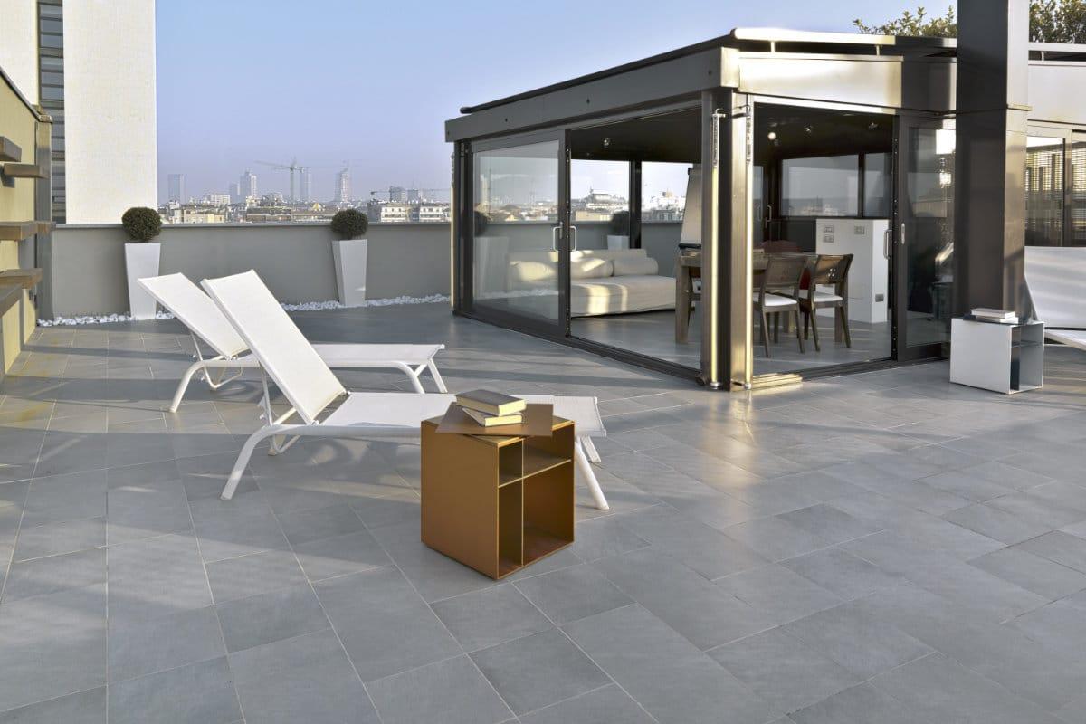 Natuursteen terras prijzen realisaties tips - Dek een terras met tegels ...